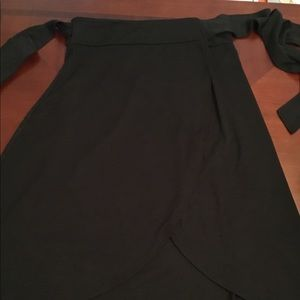 Women's black wrap GAP sweater skirt../size M